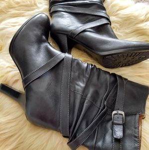 Mid-calf Leather Sofft Black Boots 👢😍